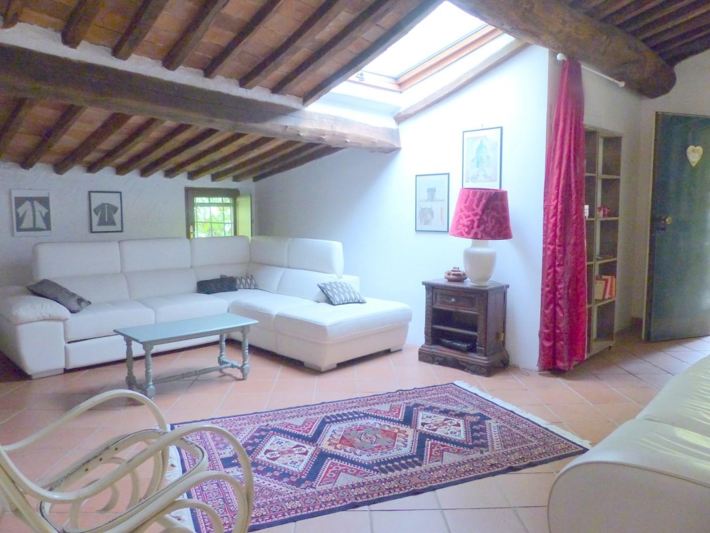 Appartamento in affitto annuale a Pietrasanta (LU)