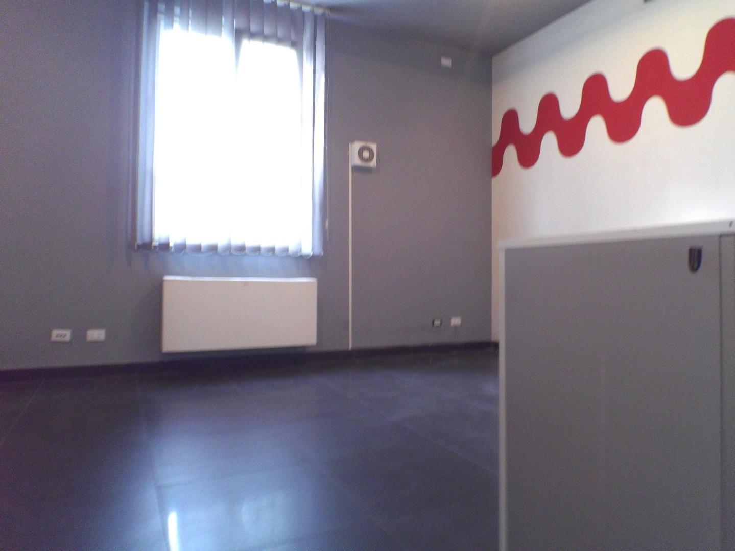 Ufficio in affitto commerciale a Lunata, Capannori (LU)