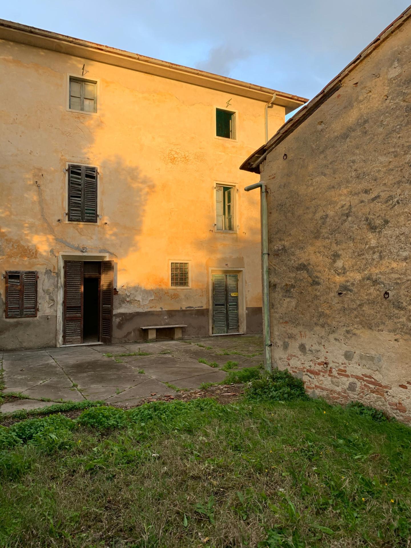 Stabile/Palazzo in vendita a San Giuliano Terme (PI)