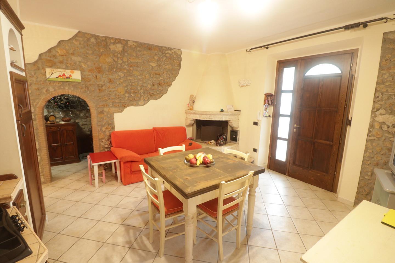 Casa semindipendente in vendita, rif. 988