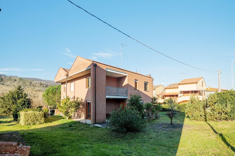 Villetta bifamiliare in vendita a Collesalvetti (LI)