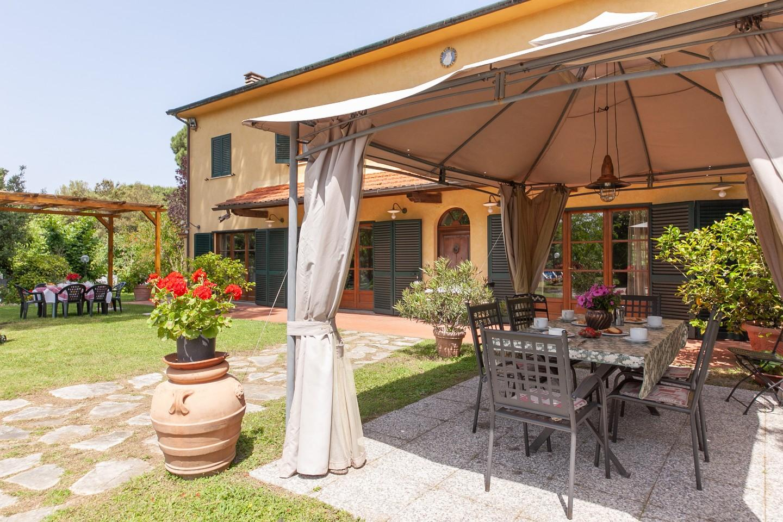 Colonica in vendita a Crespina Lorenzana (PI)