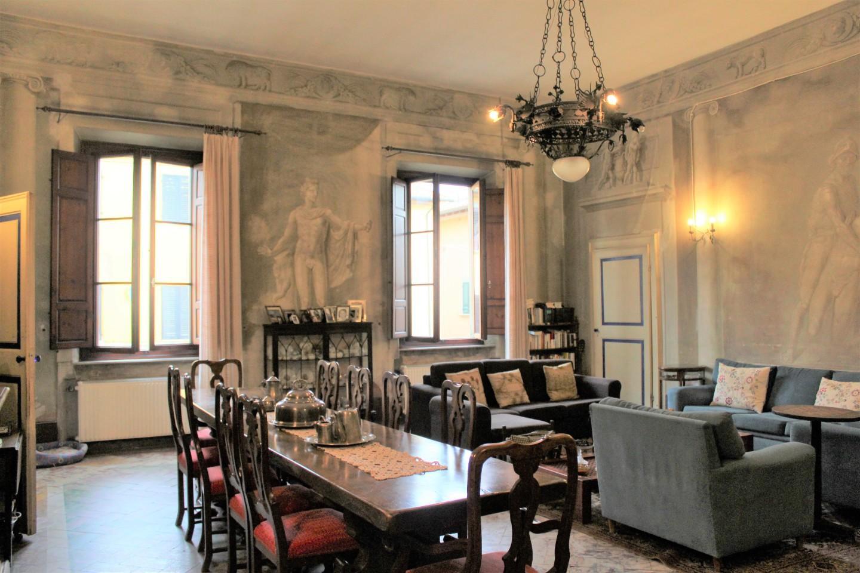 Stabile/Palazzo a Cascina