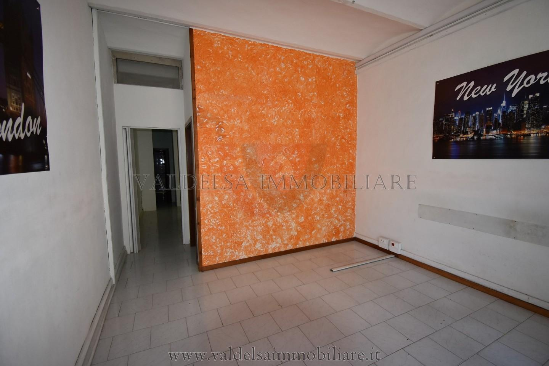 Ufficio / Studio in affitto a Colle di Val d'Elsa, 3 locali, prezzo € 400 | CambioCasa.it