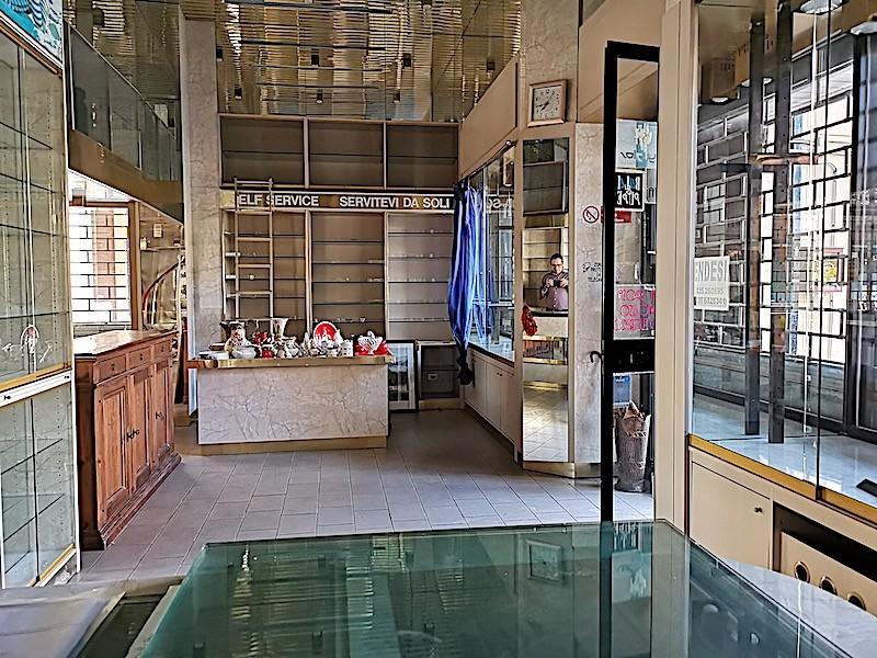 Negozio / Locale in affitto a Grosseto, 2 locali, prezzo € 600 | CambioCasa.it