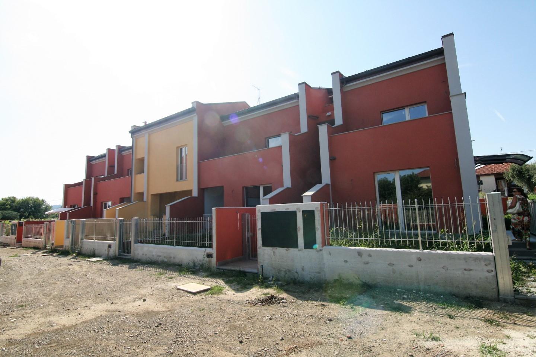 Appartamento in vendita a Santo Stefano di Magra, 3 locali, prezzo € 178.000 | CambioCasa.it