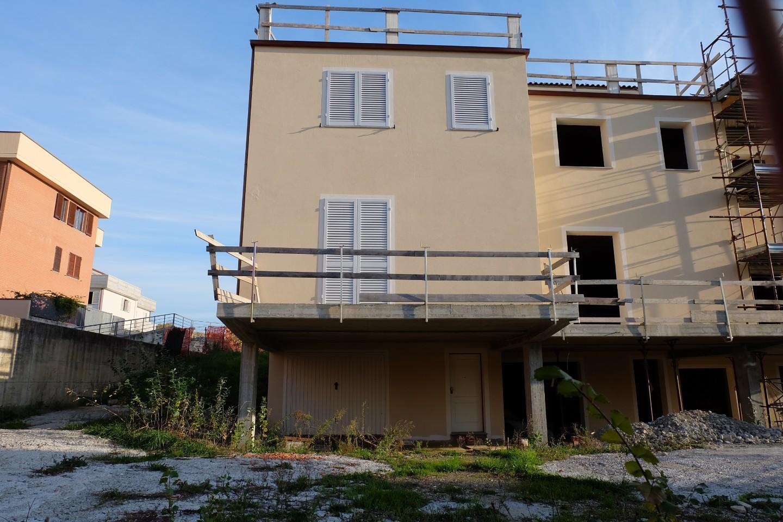 Villetta a schiera angolare in vendita a Uzzano (PT)
