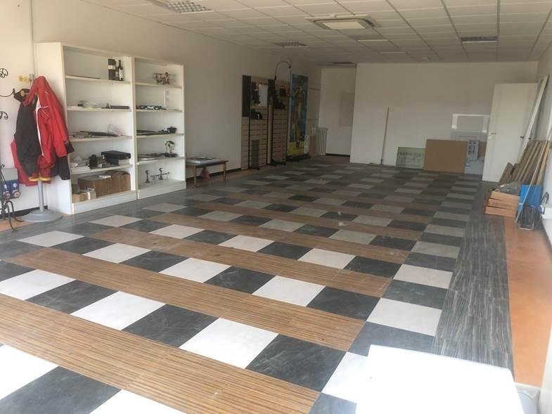 Craft depot for sale in Sovicille (SI)