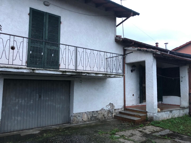 Casa semindipendente in vendita a Renella, Montignoso (MS)