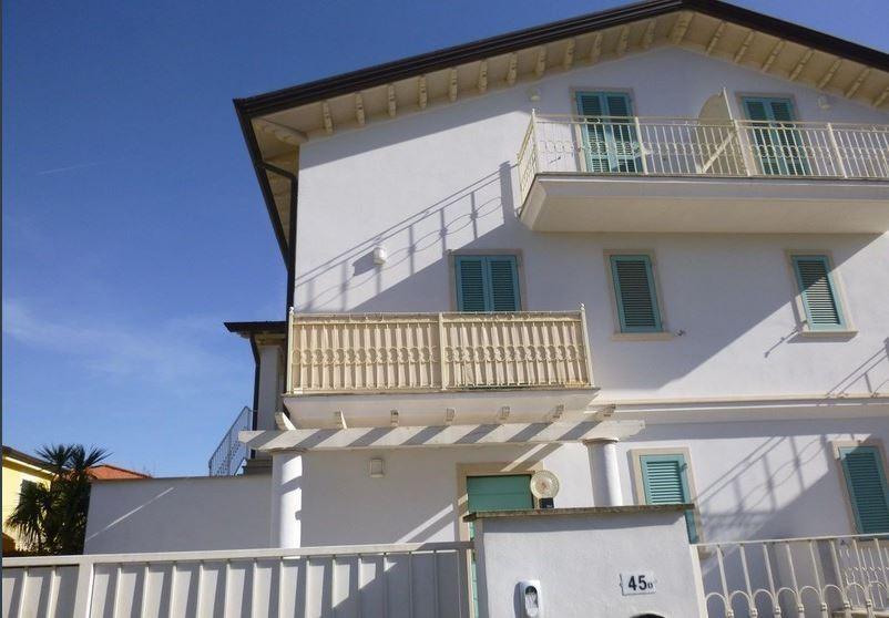 Appartamento in vendita a Ameglia (SP)