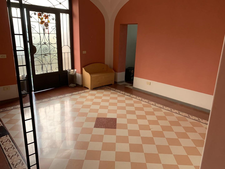 Ufficio in affitto commerciale a Pescia (PT)