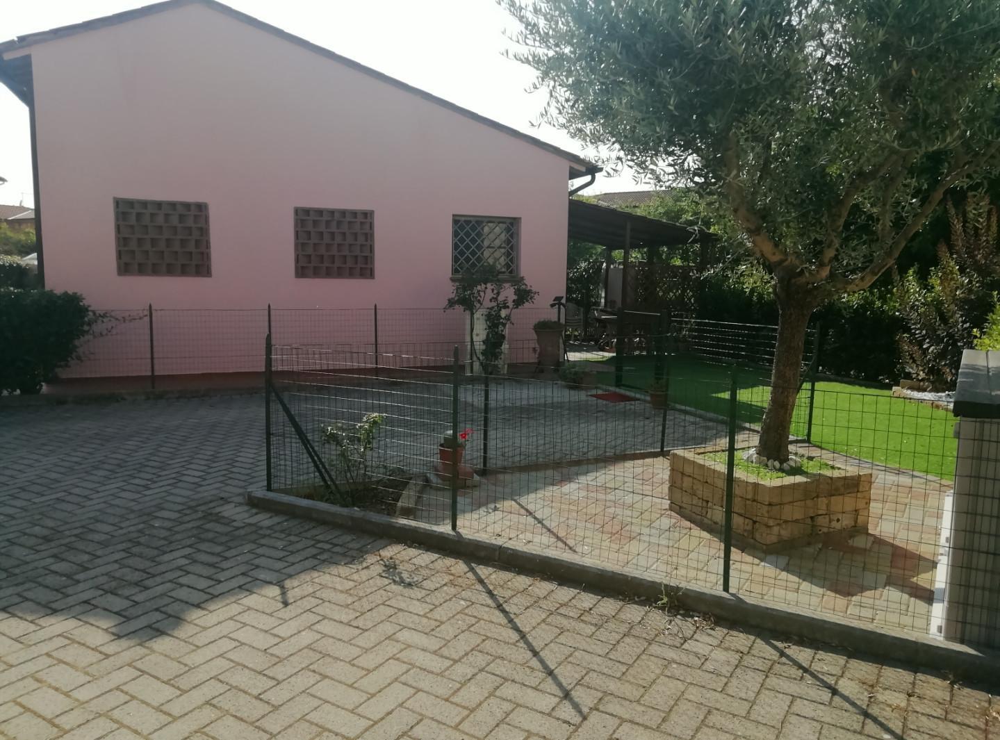 Villetta bifamiliare in affitto, rif. X255a