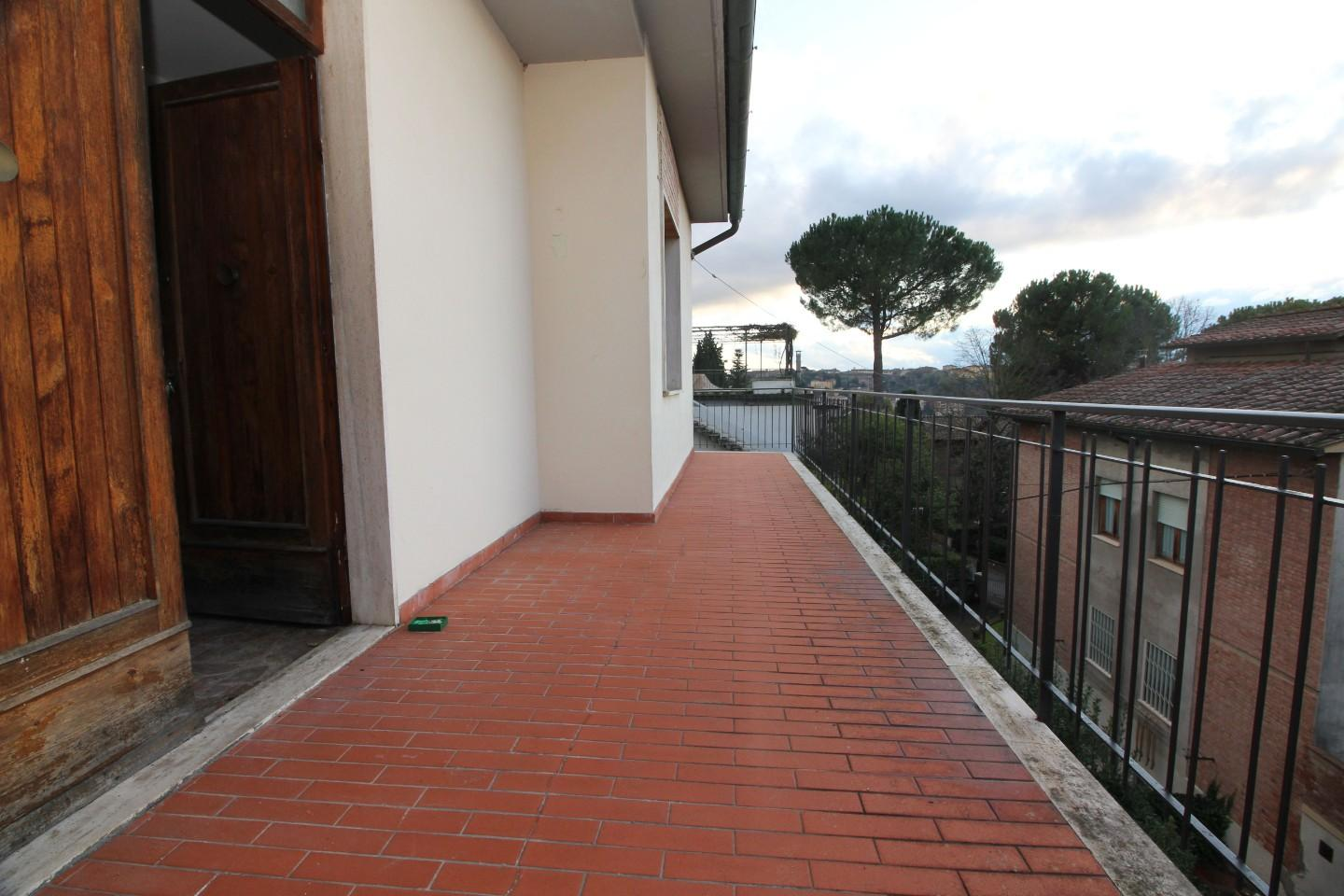 Semi-detached house for sale in Siena
