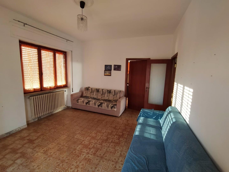 Casa singola in affitto a Fossola, Carrara