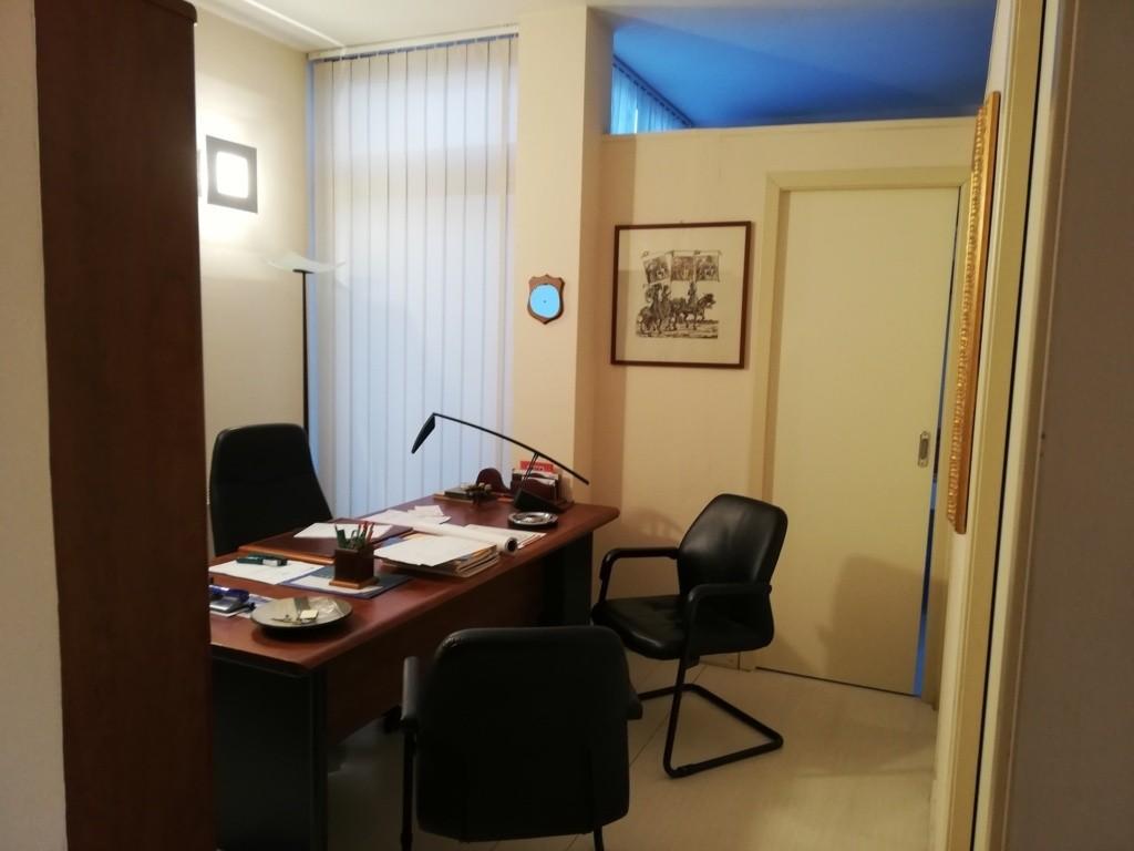 Locale comm.le/Fondo in vendita - Pisanova, Pisa