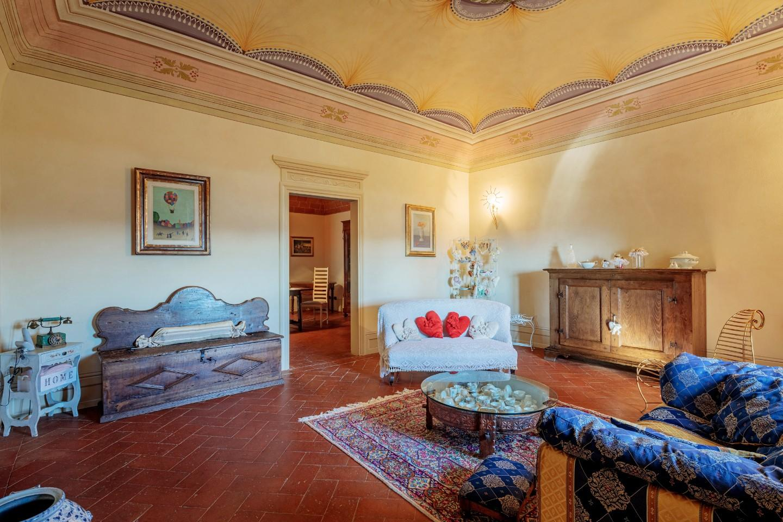Stabile/Palazzo in vendita a Terricciola (PI)