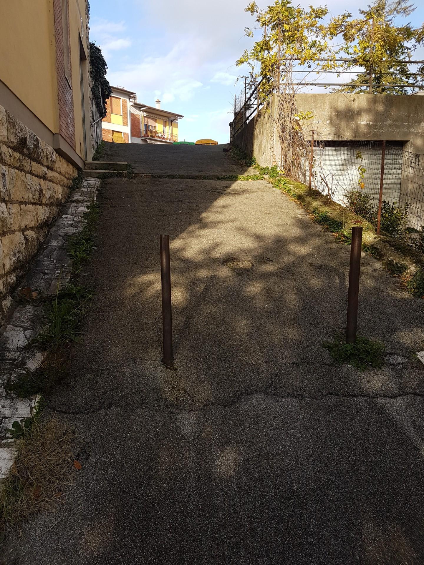 Foto 11/12 per rif. 318