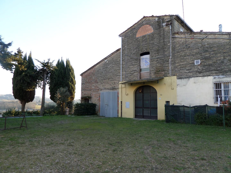 Magazzino in Vendita a Montopoli in Val d'Arno