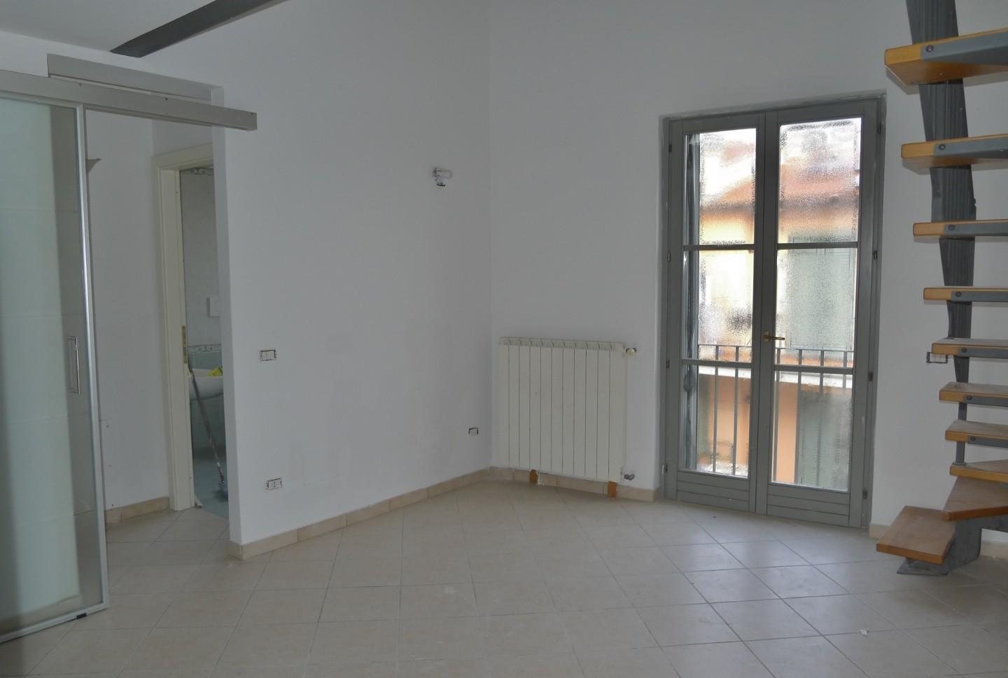 Apartment for rent, ref. A242