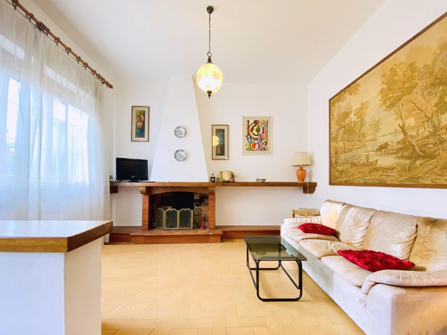 Semi-detached house for sale in Pietrasanta (LU)