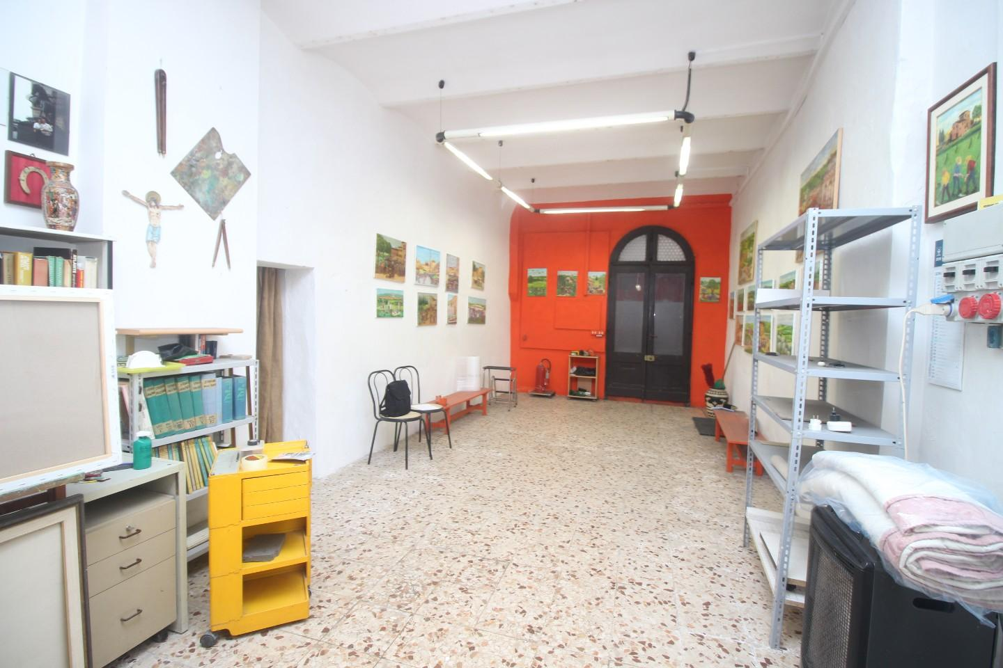 Store for sale in Siena