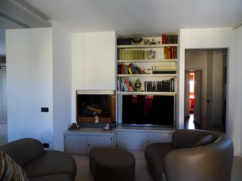 Appartamento in vendita a Fucecchio, 7 locali, prezzo € 350.000 | PortaleAgenzieImmobiliari.it