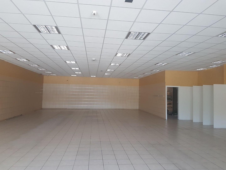 Locale comm.le/Fondo in affitto commerciale a Colle di Val d'Elsa (SI)