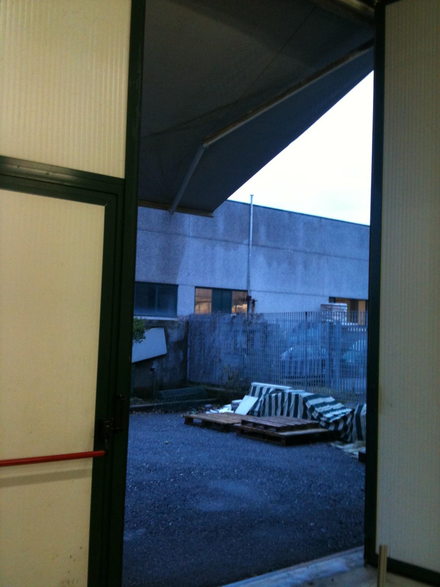 Capannone in vendita a Carrara, 2 locali, prezzo € 450.000 | CambioCasa.it