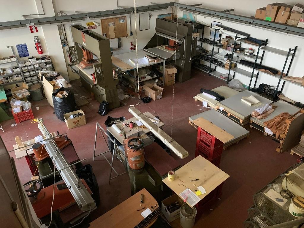 Craft depot for sale in San Gimignano (SI)
