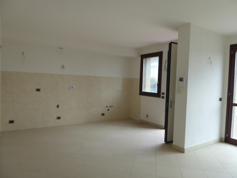 Appartamento in vendita a Prato, 3 locali, prezzo € 300.000   PortaleAgenzieImmobiliari.it