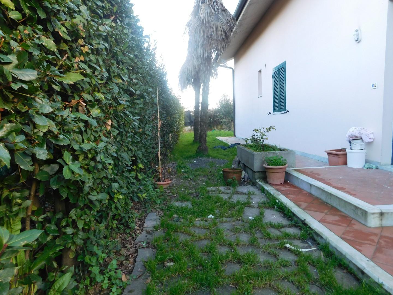 Casa semindipendente in affitto a Avenza, Carrara (MS)