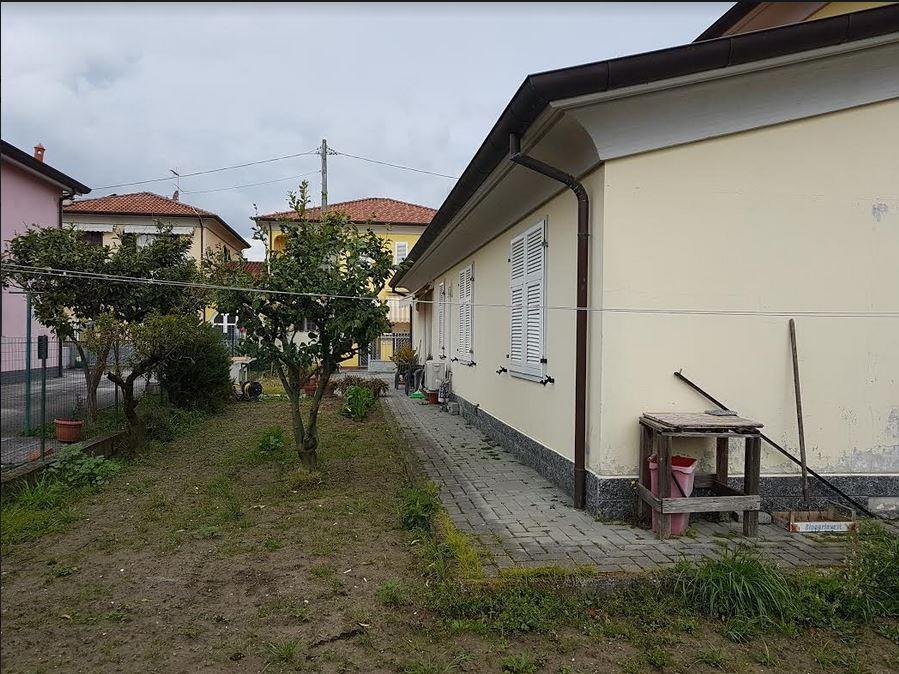 Casa semindipendente in vendita, rif. 106808