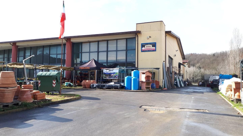 Capannone commerciale in vendita a Crespina Lorenzana (PI)