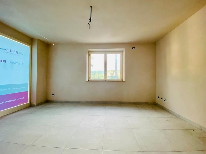 Ufficio in affitto commerciale a Camaiore (LU)