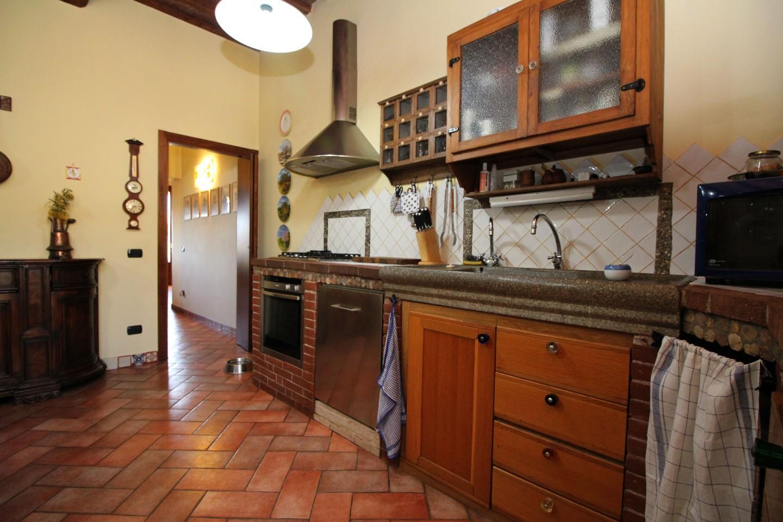 Porzione di casa in vendita, rif. R/599