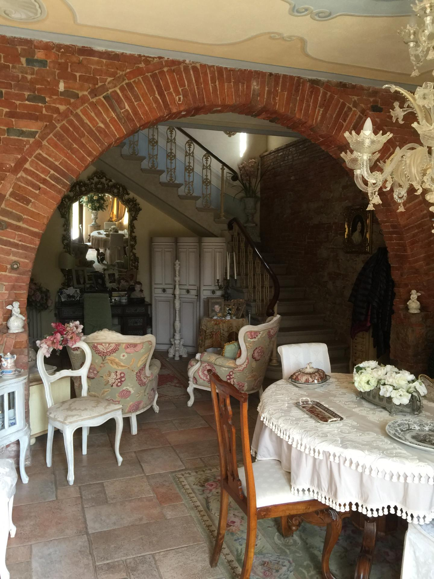 Rustico in vendita a Crespina Lorenzana
