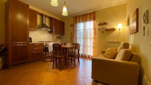 Appartamento in vendita a Calcinaia, 3 locali, prezzo € 112.000   CambioCasa.it