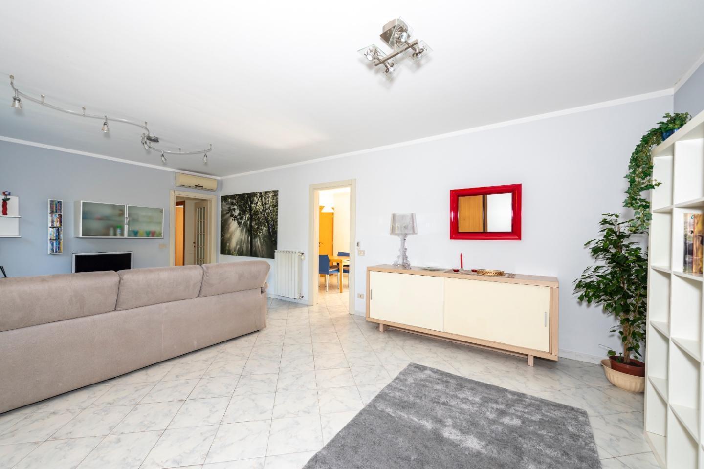 Appartamento in vendita a Bientina, 6 locali, prezzo € 219.000 | PortaleAgenzieImmobiliari.it
