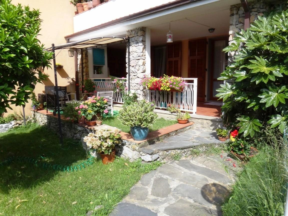 Casa semindipendente in vendita a Lerici (SP)