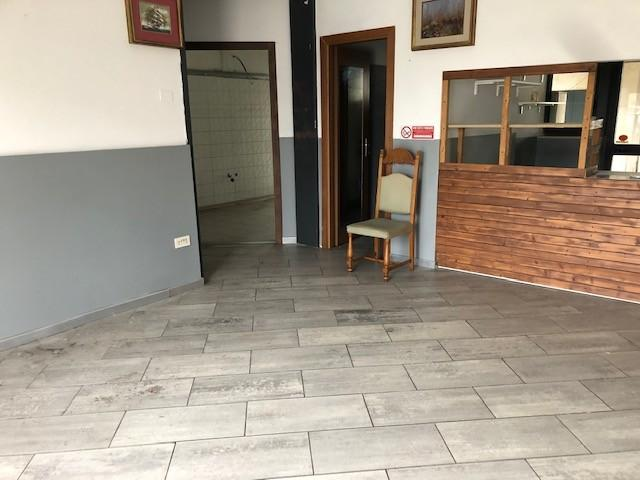 Negozio in affitto commerciale a Empoli (FI)