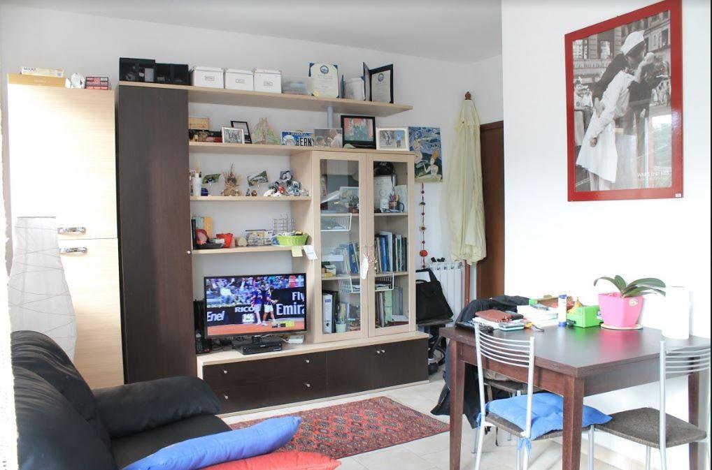 Appartamento in affitto a Sarzana, 2 locali, prezzo € 550   CambioCasa.it