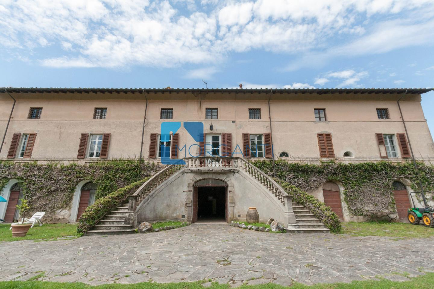 Historic building for sale in Camaiore (LU)