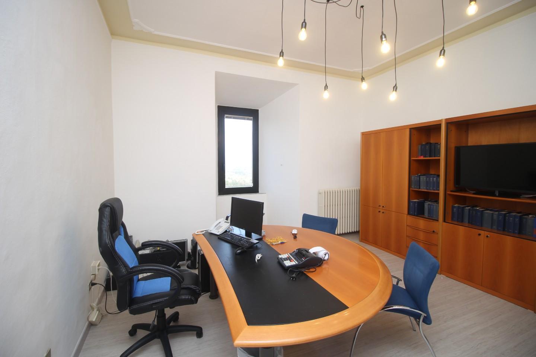 Ufficio / Studio in affitto a Siena, 1 locali, prezzo € 600 | CambioCasa.it