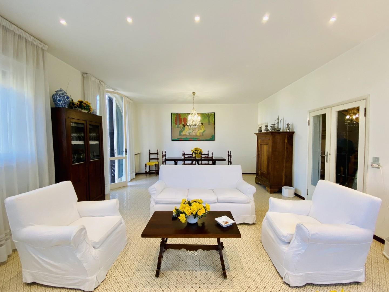 Casa singola in affitto annuale a Forte dei Marmi (LU)