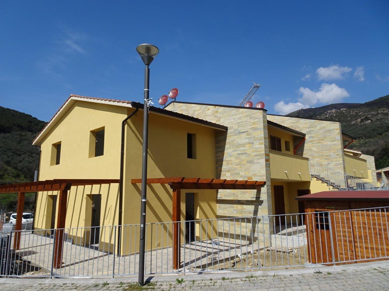 Villetta a schiera angolare a Vicopisano