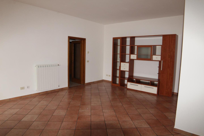 Appartamento in affitto a Larciano, 5 locali, prezzo € 500 | PortaleAgenzieImmobiliari.it