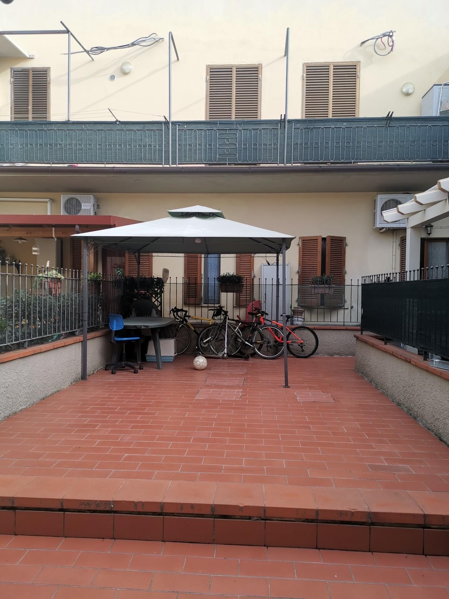 Appartamento, Via del Ferro,, Vendita - Prato (Prato)