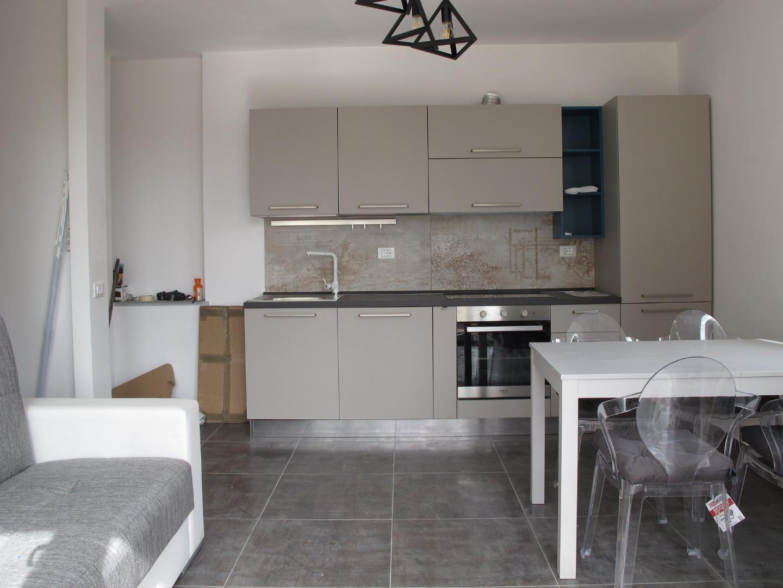 Appartamento in affitto, rif. 8821-03