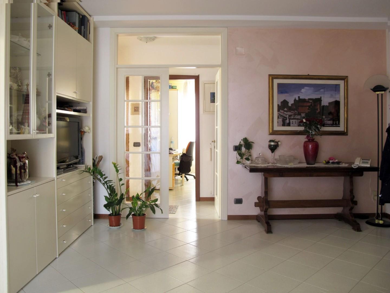 Appartamento in vendita, rif. 8880