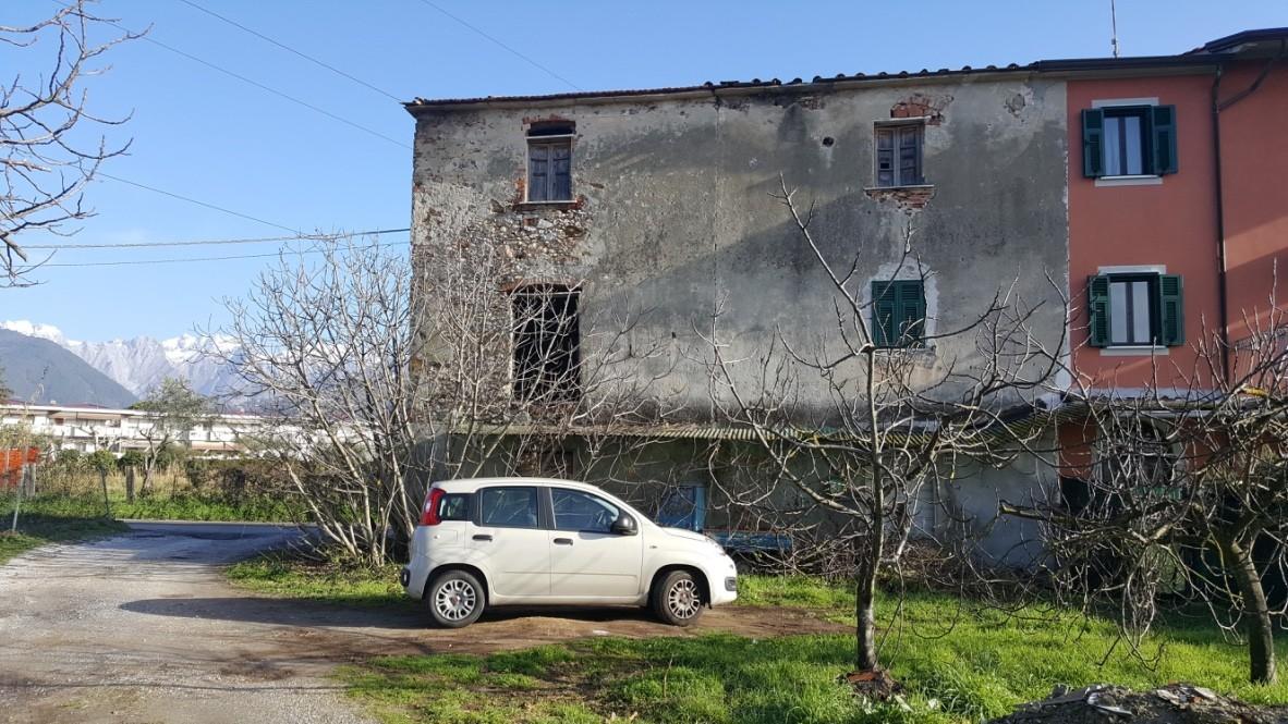 Casa semindipendente in vendita, rif. LOG-440